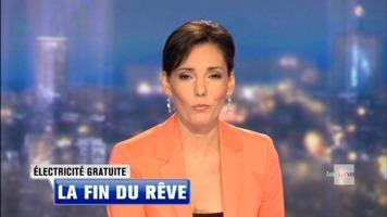 Hadja Lahbib : Quai des Belges (RTBF - 05/12/2014) Hadja_lahbib-jt_rtbf-20140710-2-by_pouce_tn